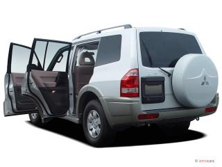 2004 Mitsubishi Montero 4-door 4WD LTD Sportronic Open Doors