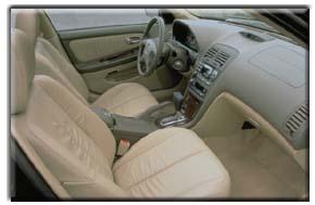2000 Nissan Maxima interior