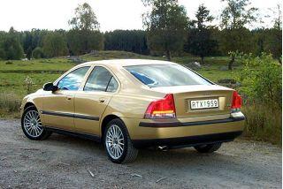 2001 Volvo S60 rear