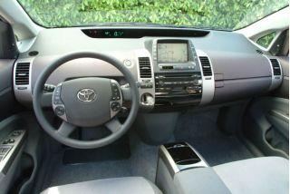 2004 Toyota Prius Page 3