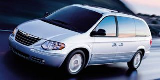 2005 Chrysler Town & Country Photo