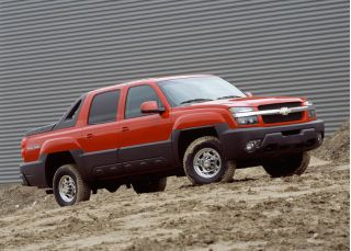 2005 Chevrolet Avalanche Chevy Review Ratings Specs Prices And Photos The Car Connection