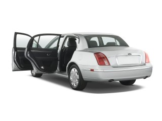 2008 Kia Amanti 4-door Sedan Open Doors