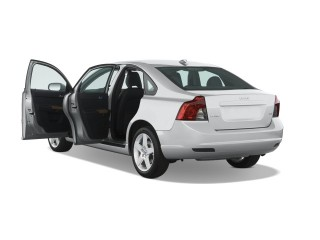 2008 Volvo S40 4-door Sedan 2.4L Man FWD Open Doors