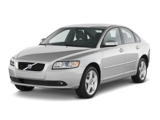 2011 Volvo S40 4-door Sedan Angular Front Exterior View