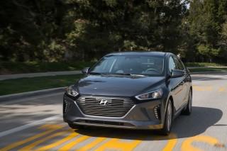 2017 Hyundai Ioniq Hybrid earns IIHS Top Safety Pick+