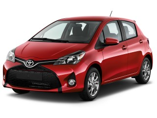 2017 Toyota Yaris 5-Door SE Manual  (Natl) Angular Front Exterior View