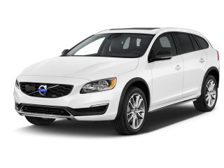 2017 Volvo V60 Cross Country T5 AWD Angular Front Exterior View