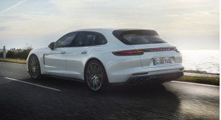 2018 Cadillac CT6, 2018 Porsche Panamera, 2019 Volvo S60: Car News Headlines