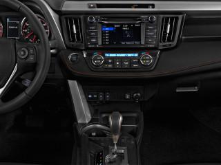 2018 Toyota RAV4 SE FWD (Natl) Instrument Panel