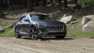2020 Audi e-tron Photos