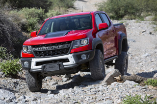 2019 Chevrolet Colorado ZR2 Bison first drive: Heavy hitting in the off-roading sand box