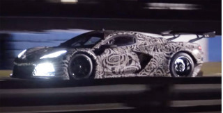 2020 Chevrolet Corvette C8.R tests at Sebring, shoots flames