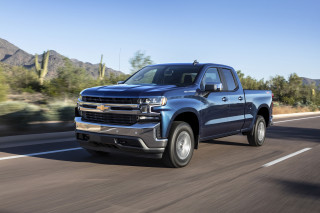 2019 Chevrolet Silverado 1500 vs. 2019 GMC Sierra 1500: Compare Cars