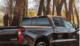 2019 Chevrolet Silverado cab-roof spoiler