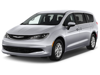 2019 Chrysler Pacifica LX FWD Angular Front Exterior View