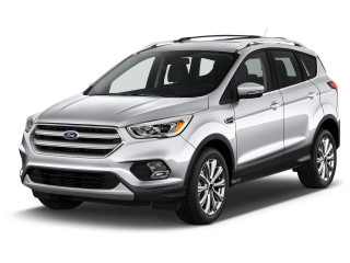 2019 Ford Escape Titanium FWD Angular Front Exterior View