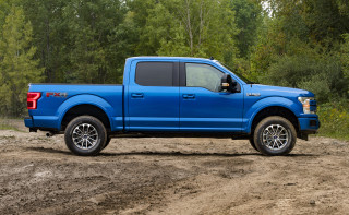 2019 Ford F-150 with self-leveling kit