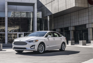 Ford cuts off national advertising for its sedans and hatchbacks