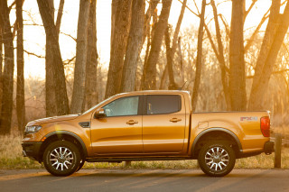 2019 Ford Ranger nearly aces crash tests from IIHS, headlights falter