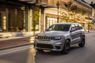 2019 Jeep Grand Cherokee vs. 2019 Jeep Cherokee: Compare Cars