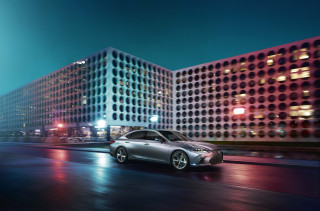 2019 Lexus ES revealed, includes 44 mpg hybrid ES 300h