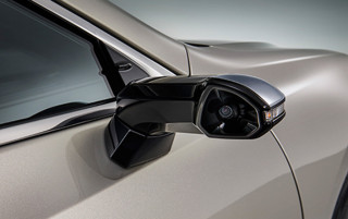 2019 Lexus ES first to market with cameras instead of side mirrors