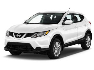 2019 Nissan Rogue Sport AWD S Angular Front Exterior View