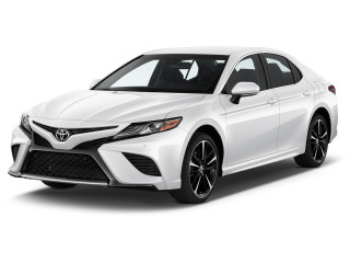 2019 Toyota Camry XSE Auto (SE) Angular Front Exterior View