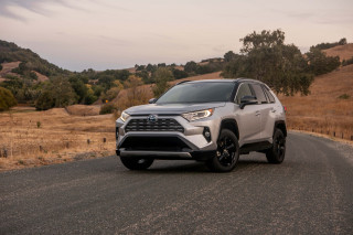 2019 Toyota RAV4 Hybrid: At 39 mpg, the highest-mileage SUV without a charge port