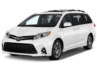 2019 Toyota Sienna XLE FWD 8-Passenger (Natl) Angular Front Exterior View