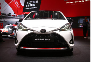 Toyota Yaris GR Sport revealed at 2018 Paris auto show