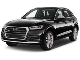 2020 Audi Q5 Premium Plus 3.0 TFSI quattro Angular Front Exterior View