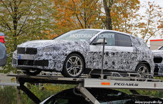 2019 BMW 1-Series Hatchback spy shots and video