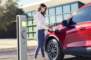 2020 Ford Escape Plug-in Hybrid has 37-mile range, starts below $35,000