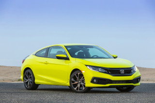 2020 Honda Civic Coupe in Sport trim