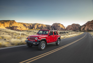 2020 Jeep Wrangler vs. 2020 Toyota 4Runner: Compare SUVs