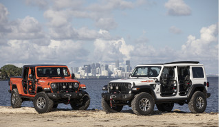 2020 Jeep Gladiator vs. 2020 Jeep Wrangler: Compare Trucks