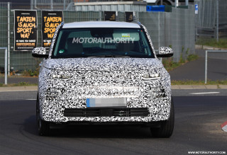 2020 Kia Soul EV spy shots and video