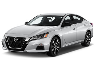 2020 Nissan Altima 2.0 SR Sedan Angular Front Exterior View