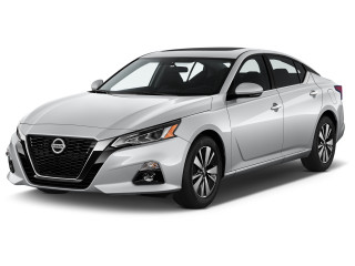 2020 Nissan Altima 2.5 SL Sedan Angular Front Exterior View