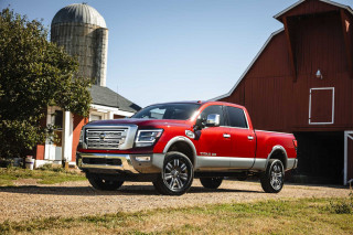 2021 Nissan Titan Photos