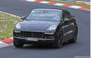 2020 Porsche Cayenne coupe spy shots and video