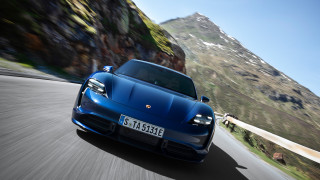 2020 Porsche Taycan Photos
