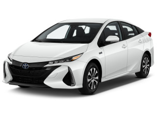 2020 Toyota Prius XLE (GS) Angular Front Exterior View