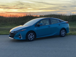 Review update: 2020 Toyota Prius Prime excels at efficiency, little else