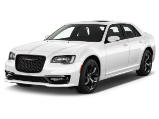 2021 Chrysler 300 300S RWD Angular Front Exterior View