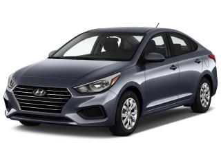 2021 Hyundai Accent SE Sedan IVT Angular Front Exterior View
