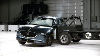 IIHS raises Top Safety Pick bar with tougher side crash test