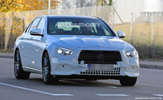 2021 Mercedes-Benz E-Class facelift spy shots - Image via S. Baldauf/SB-Medien